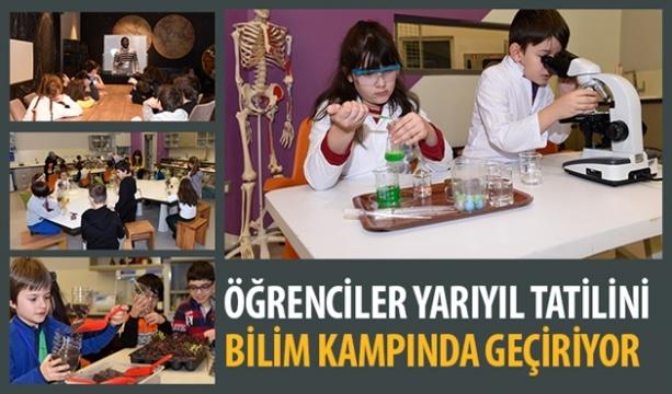 Öğrenciler Yarıyıl Tatilini Bilim Kampında Geçiriyor