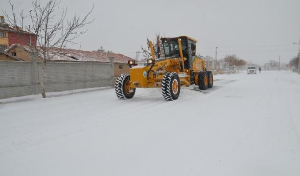 Karatay'da Karla Mücadele Araliksiz Devam Ediyor